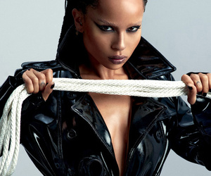 Zoe Kravitz Does Bondage-Inspired Photoshoot for Complex, Calls Parents…