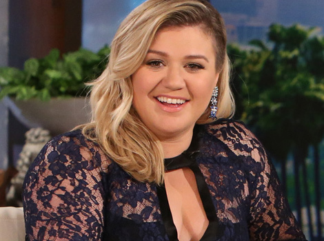 "Kelly Clarkson Talks Weight Criticism: ""Sometimes I'm Fit, Sometimes I'd Rather Have…"