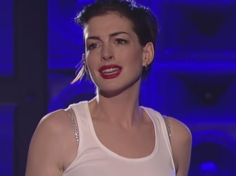 "Anne Hathaway Transforms Into Miley Cyrus For ""Lip Sync Battle"""
