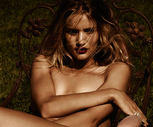 Rosie Huntington-Whiteley Poses Totally Naked For Violet Grey -- See The Sexy…