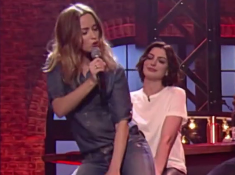 "Emily Blunt Gives Anne Hathaway a Lap Dance While Lip Syncing ""No Diggity"""