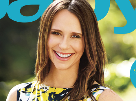 Jennifer Love Hewitt Flaunts Bare Baby Bump, Talks Spicy Cravings & Perks…
