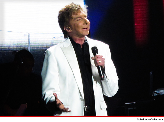 Barry Manilow -- That Song\'s Got a Nice Ring to It! (PHOTO)   TMZ.com