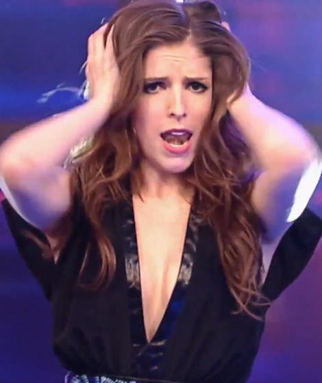 ANNA KENDRICK - BOOBs JIGGLING - Lip Sync Battle ...