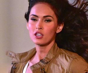 """Megan Fox & Stephen Amell Film """"Teenage Mutant Ninja Turtles 2"""" -- See…"""