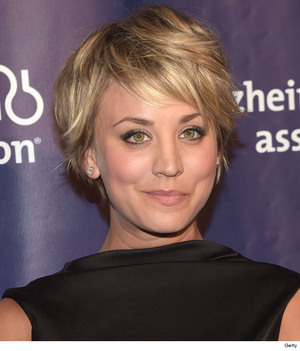 Kaley Cuoco Debuts Pink Hair Like The New Look Toofab
