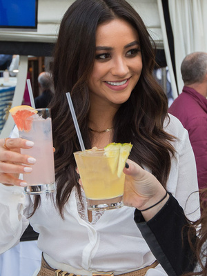 """Shay Mitchell from """"Pretty Little Liars"""" Reveals Style Must-Haves & Secret to Having """"Vacay Every Day"""""""