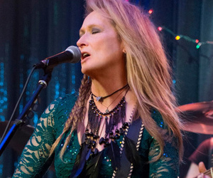"Meryl Streep and Her Daughter Rock Out in First Trailer for ""Ricki and the…"