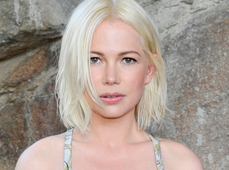 Michelle Williams Debuts New Platinum 'Do at Louis Vuitton Show