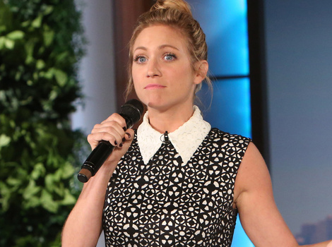 "Brittany Snow's ""Gangsta's Paradise"" Rap is Aca-Awesome!"