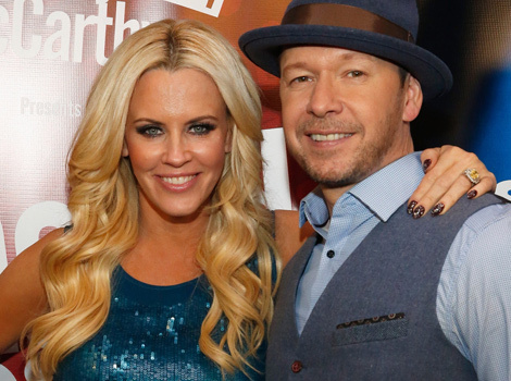 """Jenny McCarthy Gets """"Donnie"""" Tattoo on Her Finger -- See the Sweet Tribute!"""