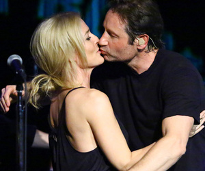 """X-Files"" Costars David Duchovny and Gillian Anderson Perform Neil Young Song…"
