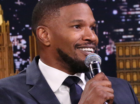 """Jamie Foxx Does Spot On Impersonation Of John Legend on """"The Tonight Show"""""""