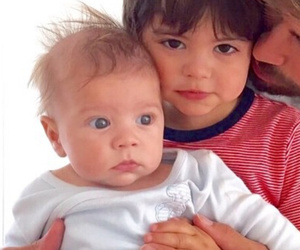 Shakira's Fiance Gerard Pique Shares Super Cute Photo Of Adorable Kiddies!