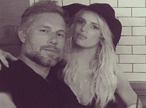Jessica Simpson Shares Sweet Snap with Hubby Eric Johnson on Anniversary