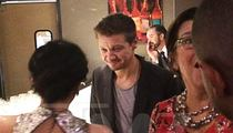Jeremy Renner -- Low Profile Wedding Crasher (PHOTO)
