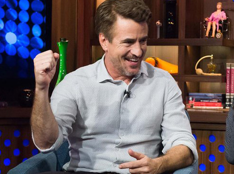 "Does Julia Roberts Give Dermot Mulroney ""a Boney""?!"