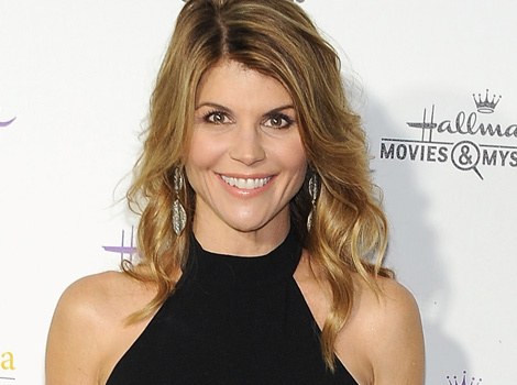 "Lori Loughlin Confirms ""Fuller House"" Return, Reacts to Olsen Twins' Decision"
