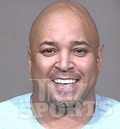 Ex-NBA player Chris Gatling -- a former All-Star -- was arrested in Scottsdale... with cops saying he was the kingpin in a massive illegal credit card and I.D. theft scam.  TMZ Sports has learned ... one of Gatling's alleged victims is a woman he met on a dating website who owned a fitness studio -- who he allegedly screwed out of $90,000.