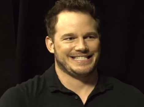 Chris Pratt Gets Pranked During 'Jurassic World' Interview -- And It's…