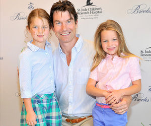 Jerry O'Connell Makes Rare Red Carpet Appearance With Twins Dolly and Charlie!