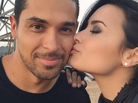 Demi Lovato Kisses Wilmer Valderrama on 'From Dusk Till Dawn,' Joins Cast
