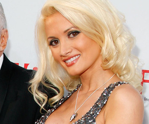 Holly Madison Spills Dirty Details About Orgies With Hef Inside the Playboy Mansion