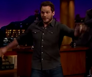 Funny Video: Chris Pratt Runs in Heels Like 'Jurassic World' Costar Bryce…