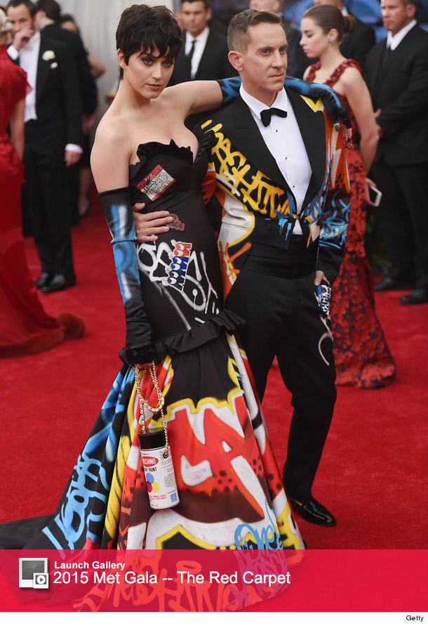 Katy perry goes naked for super sexy moschino campaign ads toofab 0615katylaunch3 m4hsunfo