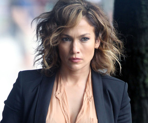 Jennifer Lopez Shares Sweet Christmas Video With Twins Emme & Max ...  Jennifer Lopez