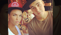 Justin Bieber & Ruby Rose -- Mirror has Two Faces ... Or Maybe Just One (PHOTO)