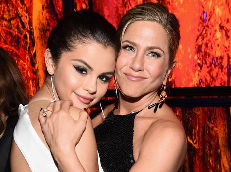 "Selena Gomez Talks Friendship With Jennifer Aniston, Says She Gives ""Maternal Advice"""