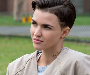 5 Big Questions After Binge-Watching Season 3 of 'Orange Is the New Black'
