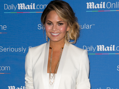 Chrissy Teigen Knows How To Unwind -- See Her Eat Spaghetti TOPLESS!