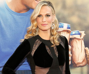 Molly Sims Flaunts Ultra-Toned Abs Just 3 Months After Giving Birth