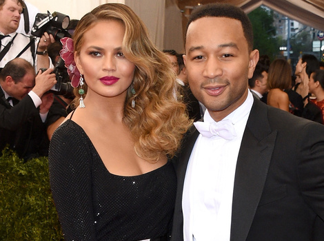 Chrissy Teigen Just Leaked Her Own Husband's Nudes -- Check Out John Legend's Booty!