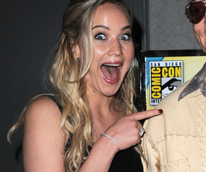 Jennifer Lawrence Emails Who When She's Drunk?!