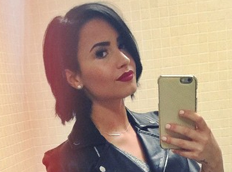 Demi Lovato Shows Off Her Long Legs, Says She & Wilmer Love Her Curves