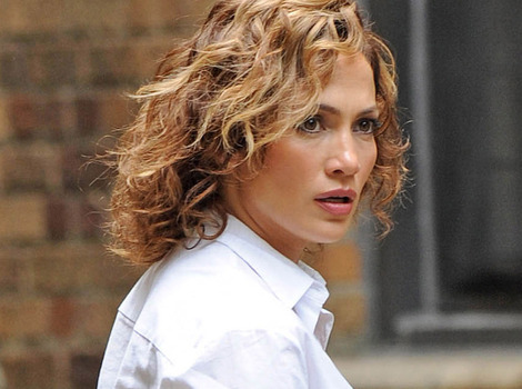 Jennifer Lopez Goes Even Shorter -- See Her New Dark 'Do!