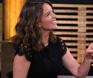 Tina Fey and Amy Poehler Play 'True Confessions' -- Who Was Mistaken for a…