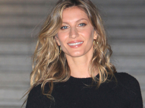 Gisele Bundchen Shares Sweet Pics With Twin Sister on 35th Birthday