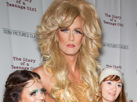 Alexander Skarsgard Dresses In Drag at 'Diary of a Teenage Girl' Premiere ...…