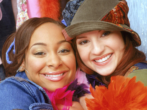 """""""That's So Raven"""" Cast Reunites for Mystery Project"""