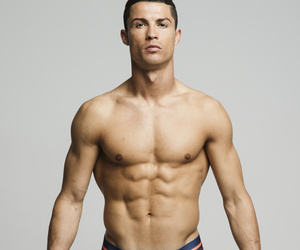 Cristiano Ronaldo's Un-Retouched Underwear Photos Reveal His Imperfections