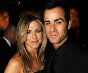 Howard Stern Reveals New Details from Aniston-Theroux Wedding -- See How He…