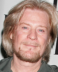 Daryl Hall - 2018 Dyed hair & dressy hair style. Current length:  short hair (chin length)
