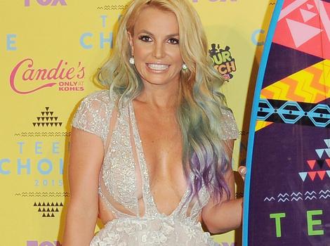 2015 Teen Choice Awards: Britney's Boobs, Paul Walker Tribute & More…