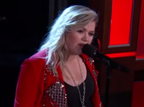 "Watch Kelly Clarkson Sing Tinder Profiles on ""Jimmy Kimmel Live!"""