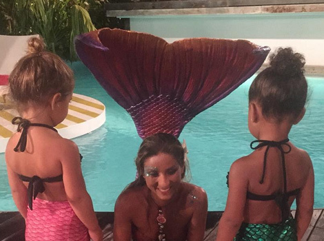 """North West & Penelope Disick Meet """"Real"""" Mermaid During St. Barts Vacation"""