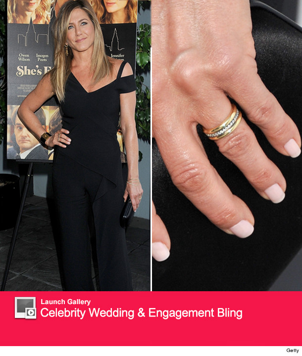 marriage looks good on jennifer aniston - Jennifer Aniston Wedding Ring